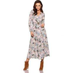 Modna sukienka midi pantofelki. Szare sukienki hiszpanki Lemoniade, na jesień, w paski, z materiału, midi. Za 249,90 zł.