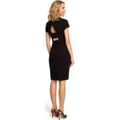 VALERIE Klasyczna, gładka sukienka z krótkim rękawem - czarna. Czarne sukienki balowe Moe, z dekoltem na plecach, z krótkim rękawem, mini, dopasowane. Za 136,99 zł.