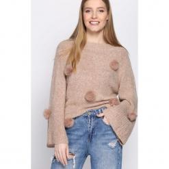 Różowy Sweter Magnificence. Czerwone swetry klasyczne damskie Born2be, uniwersalny. Za 79,99 zł.