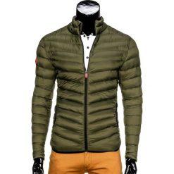 KURTKA MĘSKA PRZEJŚCIOWA PIKOWANA C299 - OLIWKOWA. Zielone kurtki męskie pikowane Ombre Clothing, m, z nylonu. Za 99,00 zł.