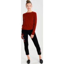 Swetry klasyczne damskie: DAY Birger et Mikkelsen DAY JOIN Sweter tulip