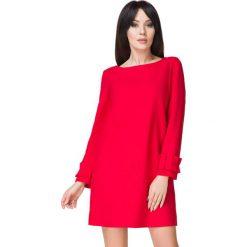 Czerwona Sukienka z Falbanką przy Rękawie. Czarne sukienki balowe marki bonprix, do pracy, w paski, moda ciążowa. Za 159,00 zł.