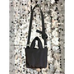 Torebka na ramię. Czarne torebki klasyczne damskie Pakamera, z syntetyku. Za 109,00 zł.