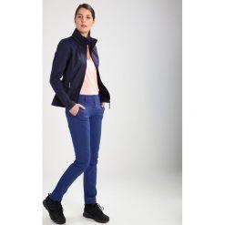 Icepeak LEANA Kurtka Softshell dunkel blau. Niebieskie kurtki sportowe damskie marki Icepeak, z materiału. W wyprzedaży za 265,30 zł.