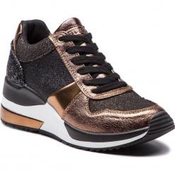 Sneakersy GUESS - FLJAT4 FAM12 BLKBR. Czarne sneakersy damskie Guess, z materiału. Za 529,00 zł.