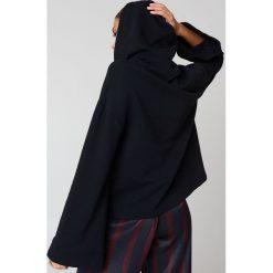 Bluzy rozpinane damskie: NA-KD Basic Bluza z szerokim rękawem - Black
