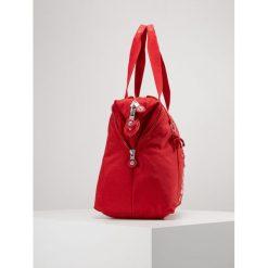 Kipling ART M Torba na zakupy lively red. Czerwone shopper bag damskie Kipling. Za 419,00 zł.