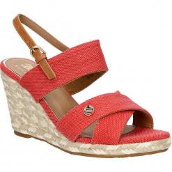 Sandały na koturnie Wrangler WL171613. Różowe sandały damskie Wrangler, na koturnie. Za 198,99 zł.