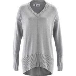 Sweter oversize bonprix jasnoszary melanż. Szare swetry oversize damskie marki bonprix. Za 74,99 zł.