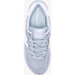 New Balance - Buty WL574CHF. Szare buty sportowe damskie marki New Balance, z gumy. W wyprzedaży za 279,90 zł.