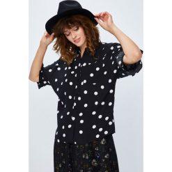 Medicine - Koszula Secret Garden. Szare koszule damskie marki MEDICINE, l, z dzianiny, casualowe, z klasycznym kołnierzykiem, z długim rękawem. W wyprzedaży za 49,90 zł.