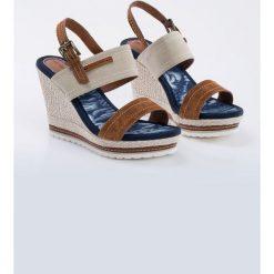 Sandały damskie: Sandały na koturnie