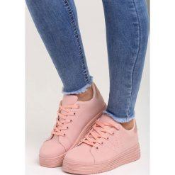 Różowe Buty Sportowe One Big Family. Czerwone buty sportowe damskie marki KALENJI, z gumy. Za 69,99 zł.