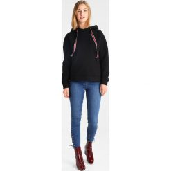 Bluzy rozpinane damskie: Vero Moda VMANSLIE  Bluza z kapturem black