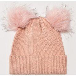 Czapka z puszystymi pomponami - Różowy. Czerwone czapki zimowe damskie marki House. Za 39,99 zł.