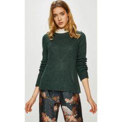 Jacqueline de Yong - Sweter. Szare swetry klasyczne damskie marki Jacqueline de Yong, l, z dzianiny, z okrągłym kołnierzem. Za 69,90 zł.