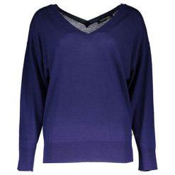 Sweter w kolorze fioletowym. Fioletowe swetry klasyczne damskie marki Guess, s. W wyprzedaży za 319,95 zł.
