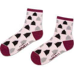 Skarpety Wysokie Damskie FREAK FEET - LCHK-GRP Kolorowy Różowy. Czerwone skarpetki damskie Freak Feet, w kolorowe wzory, z bawełny. Za 19,99 zł.