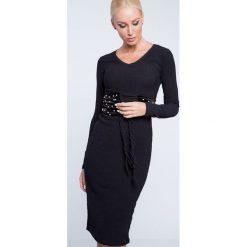 Sukienka z wiązaniem w talii czarna 15040. Czarne sukienki marki Fasardi, m. Za 49,00 zł.