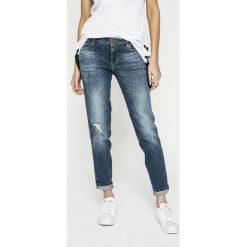 Guess Jeans - Jeansy. Niebieskie jeansy damskie rurki marki Guess Jeans. W wyprzedaży za 379,90 zł.