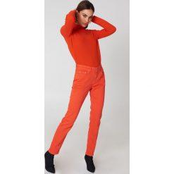 Twist & Tango Dżinsy Hannah - Red,Orange. Czerwone jeansy damskie marki Twist & Tango, z jeansu. W wyprzedaży za 161,98 zł.