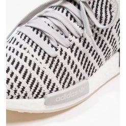 Adidas Originals NMD_R1 STLT PK Tenisówki i Trampki grey two/grey one/core black. Brązowe tenisówki damskie adidas Originals, z materiału. W wyprzedaży za 599,20 zł.