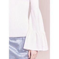Mother of Pearl CORINNE Sweter off white. Białe swetry klasyczne damskie Mother of Pearl, m, z elastanu. W wyprzedaży za 497,70 zł.