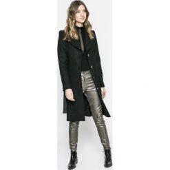 Marciano Guess - Spodnie. Szare rurki damskie MARCIANO GUESS, z aplikacjami, z bawełny. Za 749,90 zł.