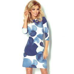 Marcella Sukienka z zamkami - duże niebieskie koła. Niebieskie sukienki z falbanami numoco, z nadrukiem. Za 129,99 zł.