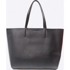 Calvin Klein - Torebka. Czarne shopper bag damskie marki Calvin Klein, z materiału, duże. W wyprzedaży za 479,90 zł.