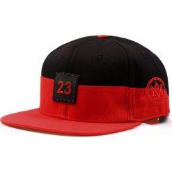 Czapka męska snapback czarno-czerwona (hx0193). Czarne czapki z daszkiem męskie marki Dstreet, z aplikacjami, eleganckie. Za 69,99 zł.