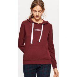 Bluza typu hoodie - Bordowy. Czerwone bluzy damskie marki Cropp, l. Za 59,99 zł.