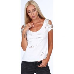 Bluzka posrebrzana z nacięciami kremowa ZZ1082. Białe bluzki z odkrytymi ramionami Fasardi, l. Za 49,00 zł.