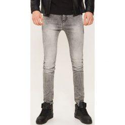 Jeansy skinny - Szary. Szare jeansy męskie skinny House, z jeansu. Za 99,99 zł.