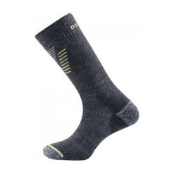 Devold Skarpetki Trekkingowe Hiking Medium Sock Dark Grey M. Szare skarpetki męskie marki 4f, l, z elastanu, z długim rękawem. W wyprzedaży za 85,00 zł.