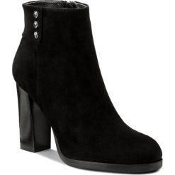 Botki JOOP! - Sykia 4140003582 Black 900. Czarne buty zimowe damskie JOOP!, z materiału. W wyprzedaży za 519,00 zł.