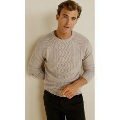 Mango Man - Sweter Brownie. Brązowe swetry klasyczne męskie Mango Man, l, z bawełny, z okrągłym kołnierzem. Za 199,90 zł.