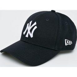 New Era - Czapka Yankees. Czarne czapki z daszkiem męskie New Era. W wyprzedaży za 99,90 zł.