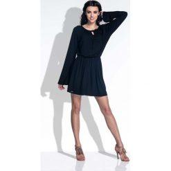 Czarna Sukienka z Rozkloszowanymi Rękawami. Niebieskie sukienki boho marki Molly.pl, na co dzień, l, z elastanu, z klasycznym kołnierzykiem, oversize. Za 119,90 zł.