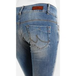 LTB MOLLY Jeansy Slim Fit yofie wash. Niebieskie jeansy damskie marki LTB, z bawełny. W wyprzedaży za 269,10 zł.