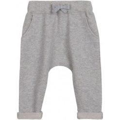 Spodnie niemowlęce: Spodnie dresowe z obniżonym krokiem dla niemowlaka