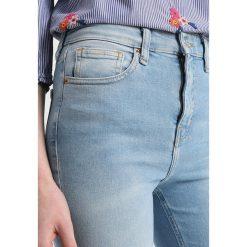 Topshop Tall JAMIE Jeans Skinny Fit bleach. Niebieskie boyfriendy damskie Topshop Tall. Za 229,00 zł.