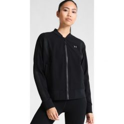 Under Armour MIXED MEDIA WOVEN Kurtka sportowa black. Czarne kurtki sportowe damskie marki Under Armour, xl, z elastanu. W wyprzedaży za 215,60 zł.