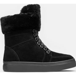 Czarne kozaki damskie. Białe buty zimowe damskie marki Kazar, ze skóry, na wysokim obcasie, na szpilce. Za 699,00 zł.