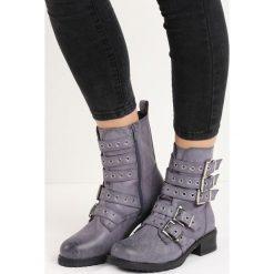 Szare Botki Metalise. Szare buty zimowe damskie Born2be, za kostkę, na wysokim obcasie, na płaskiej podeszwie. Za 109,99 zł.