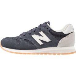 New Balance KL520 Tenisówki i Trampki navy. Szare tenisówki męskie marki New Balance, na lato, z materiału. W wyprzedaży za 202,30 zł.