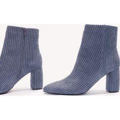 Botki damskie lity: NA-KD Shoes Botki na średnim obcasie Manchester - Blue