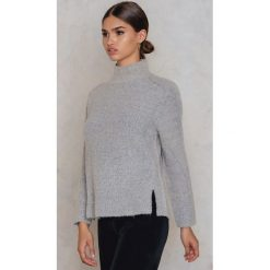 Rut&Circle Sweter z dzianiny Marielle - Grey. Szare golfy damskie marki Vila, l, z dzianiny, z okrągłym kołnierzem. Za 161,95 zł.