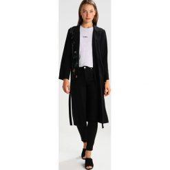 Topshop SIDNEY Jeans Skinny Fit black. Czarne jeansy damskie marki Topshop, z bawełny. Za 229,00 zł.