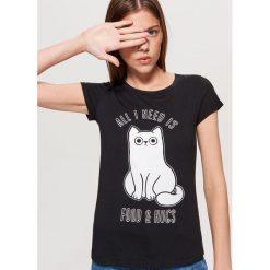 Koszulka z kotem - Czarny. Czarne t-shirty damskie marki Cropp, l. Za 19,99 zł.